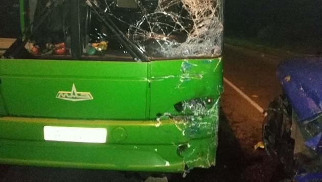 В Новополоцке микроавтобус влетел в рейсовый автобус