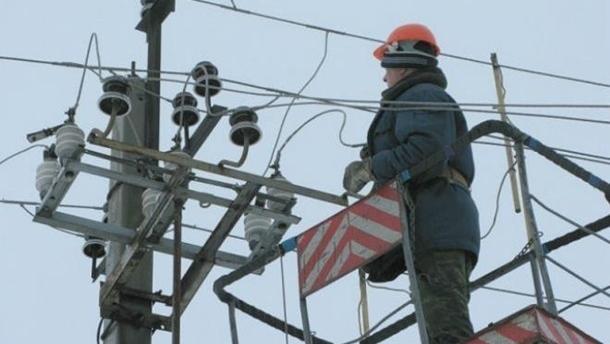 В Украине без света около 400 населенных пунктов