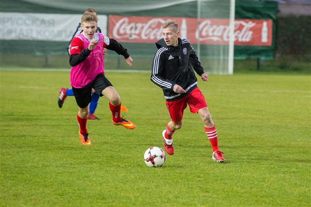 Сборная Беларуси пропустила три мяча от 13-летних чемпионов