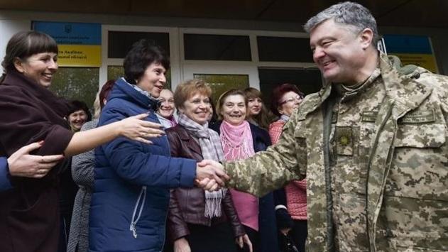 Порошенко: Делаю все, чтобы на Донбассе были миротворцы
