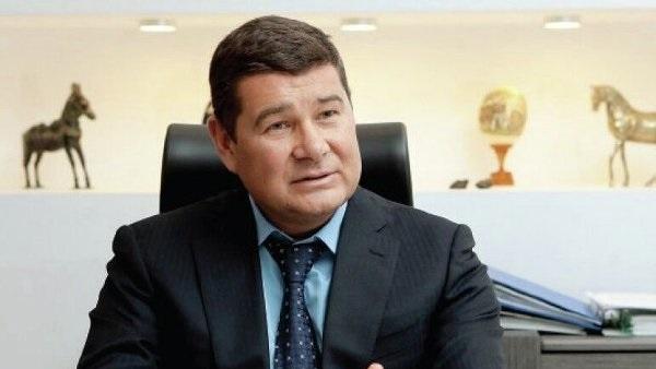 Прокуратура хочет судить Онищенко заочно
