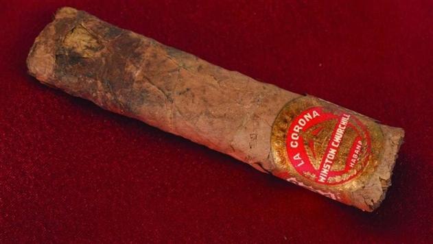 На аукционе в США продали недокуренную сигару Черчилля