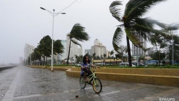 В Гонконге готовятся к приближению сильного тайфуна