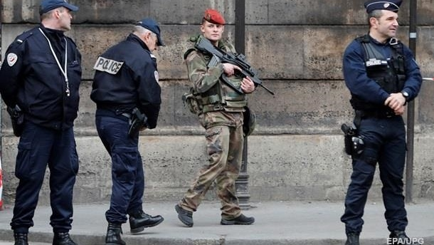 Во Франции отменили режим чрезвычайного положения