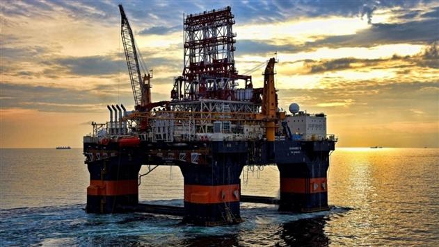Роснефть заморозила добычу нефти в Черном море