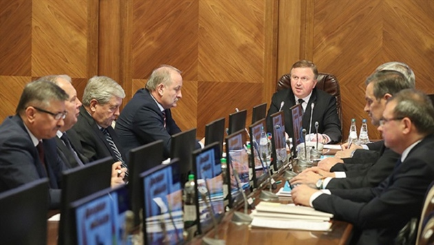 Кобяков рассказал, какие регионы срывают планы по зарплате в 1000 рублей