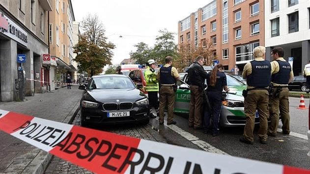 В Мюнхене мужчина с ножом напал на прохожих: 4 человека ранены