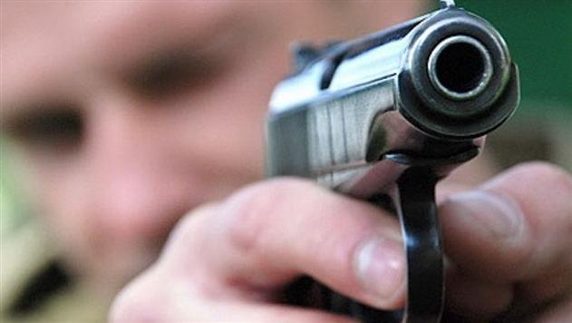 Не в глаз, но в бровь. Житель Ошмян обстрелял девушек из пневматики за невнимание