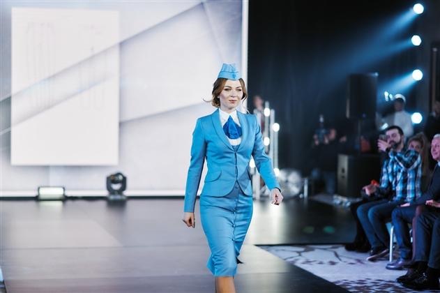 «Белавиа» представила новую форму пилотов и бортпроводников