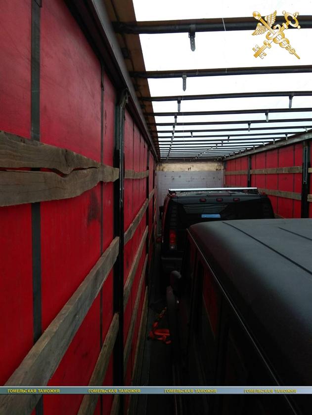 Гомельская таможня изъяла у серба бронированные Gelandewagen и Hummer