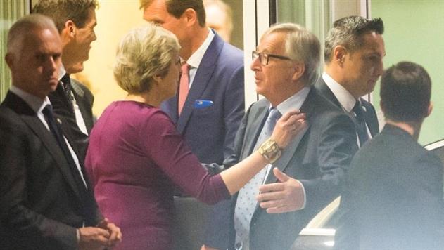 Мэй и Юнкер договорились активизировать переговоры по Brexit