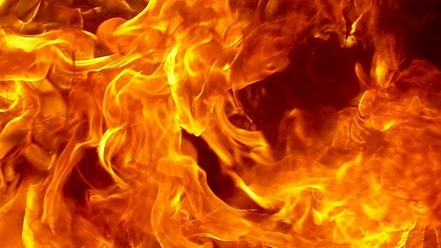 В Дрогичине проезжавший мимо мужчина спас на пожаре трехлетнюю девочку