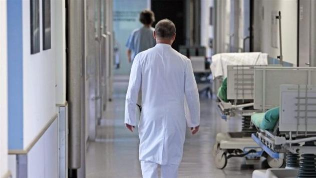 В Беларуси собираются повысить зарплаты некоторым медработникам