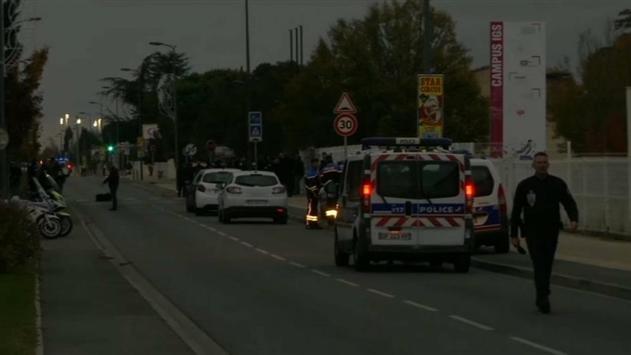 Во Франции автомобиль снес группу студентов
