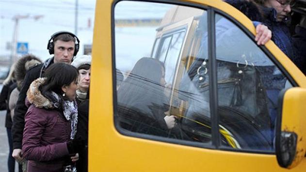 В Гомеле пьяные подрались с водителем маршрутки — видео