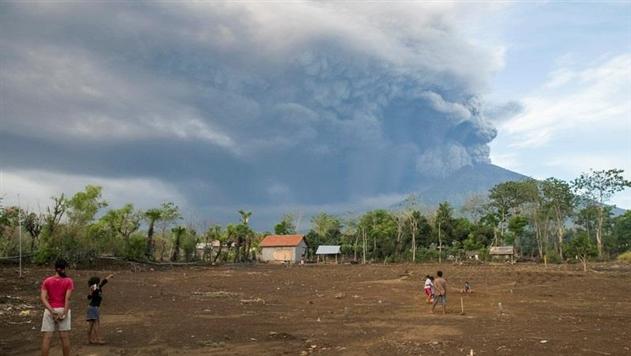 Аэропорт на Бали будет закрыт еще сутки