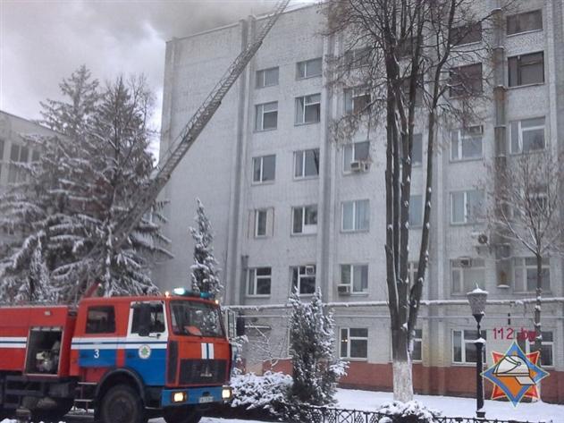 Пожар на «Гомельобоях» тушили 15 машин МЧС