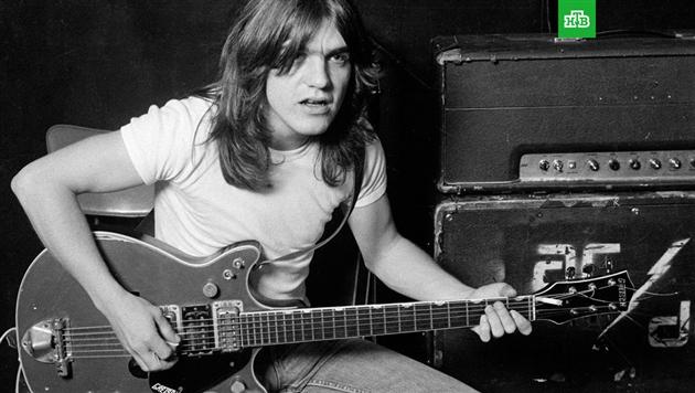 Умер один из основателей группы AC/DC гитарист Малькольм Янг