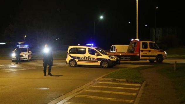 Во Франции полиция расстреляла авто с мигрантами