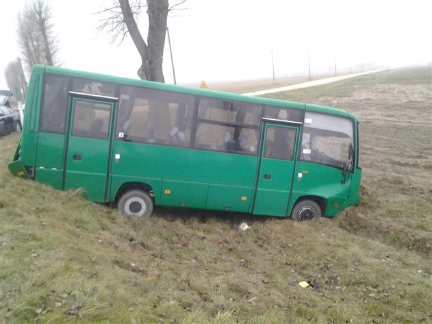 ГАИ показала фото ДТП с участием автобуса, который вез военных в Гродно