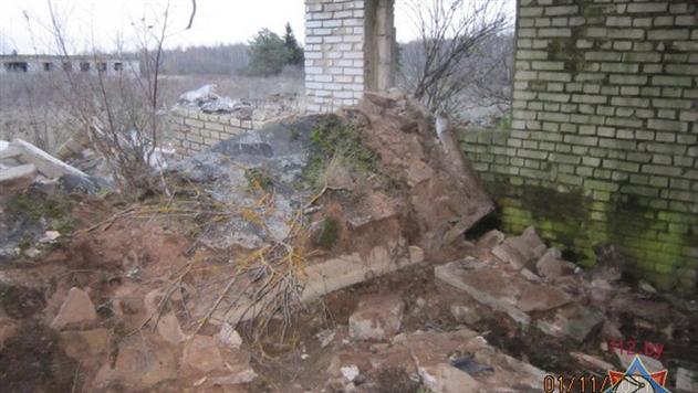 В Климовичском районе на мужчину упала бетонная плита в пустующем здании