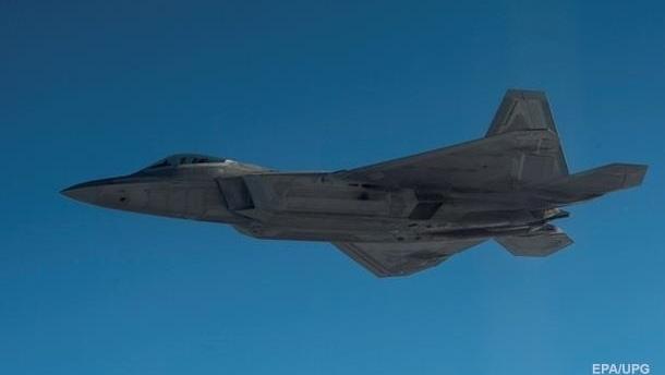 США перебросят в Южную Корею шесть истребителей