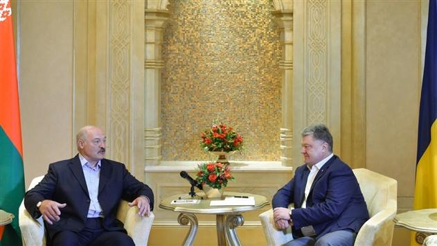 Лукашенко и Порошенко обсуждали в ОАЭ подготовку к саммиту Восточного партнерства
