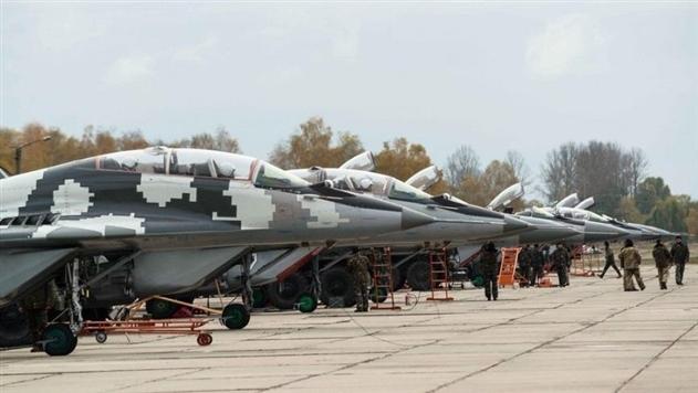 Киев перебросит на запад бригаду военной авиации