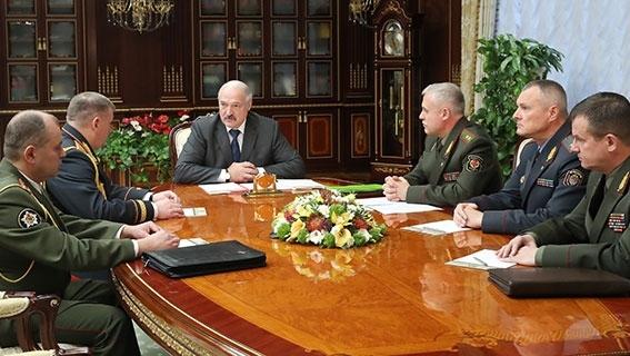 Лукашенко назначил начальника учебного центра в Печах: надеюсь, вы наведете порядок