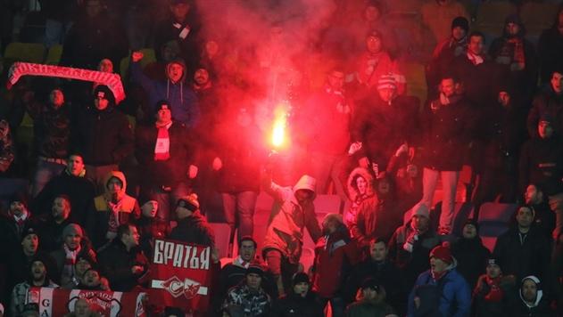 УЕФА накажет БАТЭ за заблокированные лестницы, а