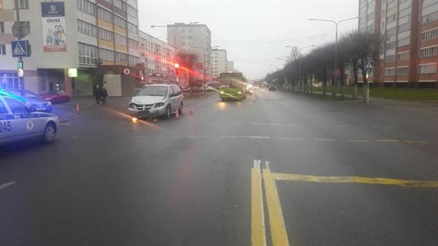 Две легковушки столкнулись в Орше: 7-летняя девочка в реанимации