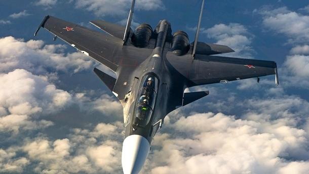 Российский истребитель перехватил американский самолет над Черным морем