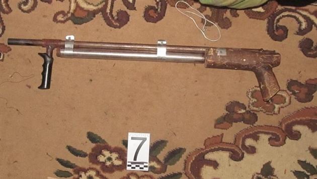 У студента-биолога из Могилева изъяли самодельное оружие