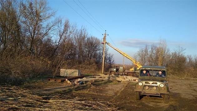 В прифронтовых Травневом и Гладосово восстановили электроснабжение