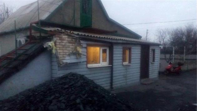 Сепаратисты обстреляли жилые кварталы Марьинки