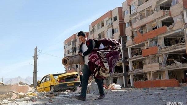 Число жертв землетрясения в Иране превысило 520 человек