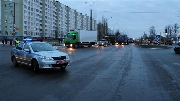 ГАИ: погибшая в ДТП в Минске 22-летняя девушка перебегала дорогу на красный