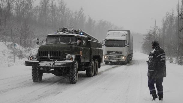 На трассе Киев-Чоп ограничили движение
