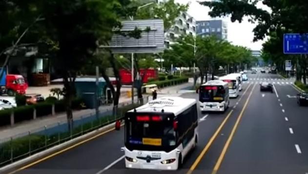 В Китае начали курсировать беспилотные автобусы