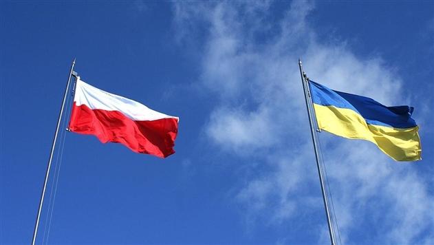 Польское гражданство за год получили 56 украинцев