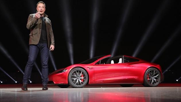 Илон Маск запустит в космос свой электромобиль Tesla на сверхтяжелой ракете