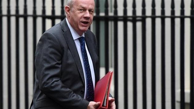Британский министр ушел в отставку из-за хранения порно