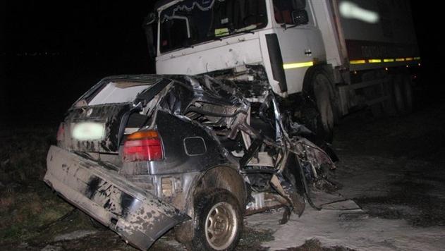 В Столбцовском районе водитель Volkswagen выехал под встречный МАЗ и погиб