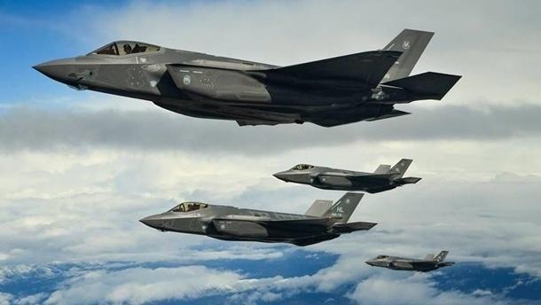 США перебросили в Южную Корею 12 истребителей пятого поколения