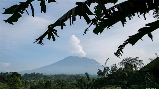 На Бали вновь произошло извержение вулкана