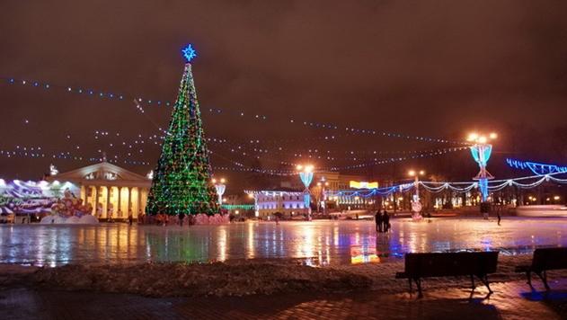 Час работы новогодней иллюминации в Минске стоит 350 рублей