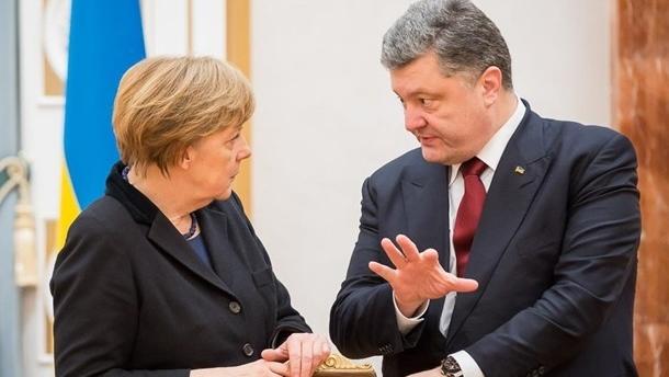 Порошенко и Меркель обсудили восстановление СЦКК