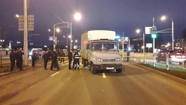 В Минске грузовик въехал в толпу людей: погибла 11-летняя девочка