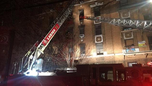 В Нью-Йорке загорелся жилой дом, не менее 12 жертв