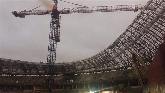 Видео: работники МЧС потушили пожар на стадионе «Динамо» в Минске